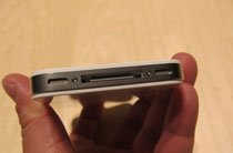 苹果iPhone 4白色版真机底部