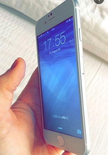 开机状态iPhone 6真机曝光 6.9mm超薄机身