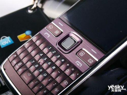 经典全键盘手机 诺基亚E72i行货报价1299元