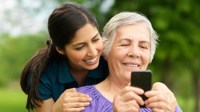 我要问数码:给老妈买手机需要注意哪些事?