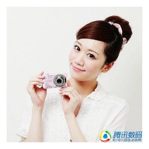 卡西欧推出粉色限量版Hello Kitty相机