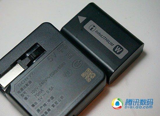 索尼nex-5r随机赠送的充电器和充电电池