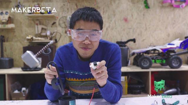 超能实验室:唐僧第80代传人 造黑科技法器666