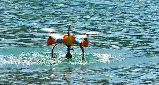这款无人机忒牛了!还能替你投鱼饵