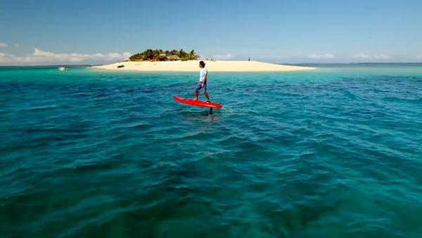 会自动巡航的冲浪板:尽管浪!被冲丢了算我输