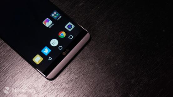 LG真旗舰 V30将搭载骁龙835和曲面OLED显示屏