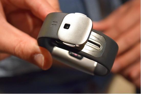 微软Band 2智能手环试玩:更智能但有些过大