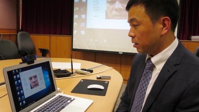 撅撅嘴就解锁手机 香港开发出另类动作密码