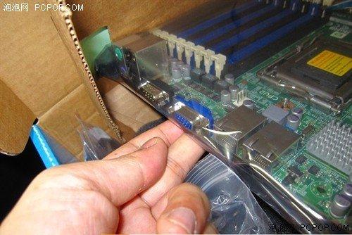 LGA1944接口 双CPU槽AMD主板日本上市