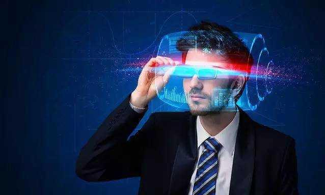 虚拟VR现在假慢卡/没内容 但可能造就下个苹果