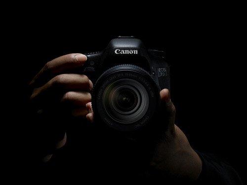 搭配24-105mm镜头 佳能7D套机售15299元