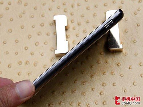三星I997逼近3000元 4.5寸巨屏Android