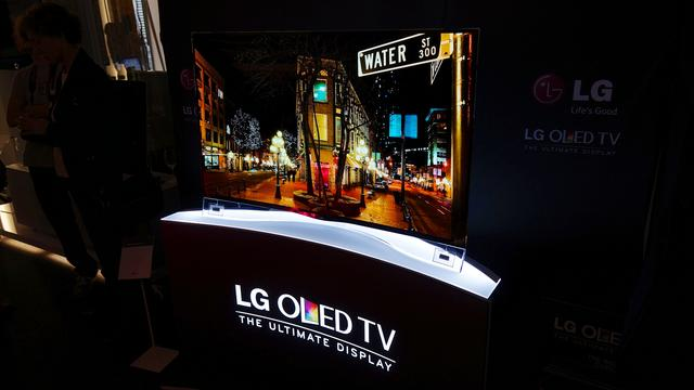电视这一年:尺寸大了、清楚了,但我还是想让它更聪明
