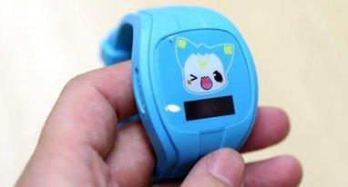 腾讯儿童手表评测:三网定位和三天续航是亮点