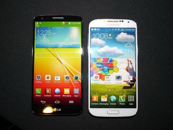 LG G2对比叁星S4:LG在用叁星的路数对立叁星