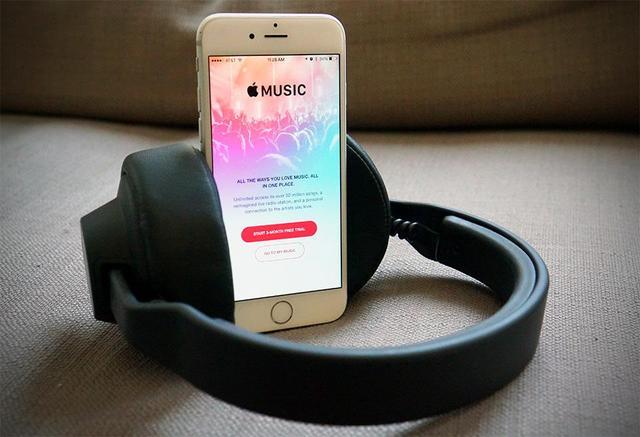 传苹果正为iPhone 7开发高端无线耳机