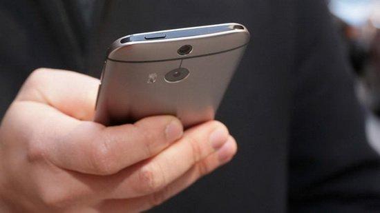 为什么三星手机一直坚持使用塑料外壳?