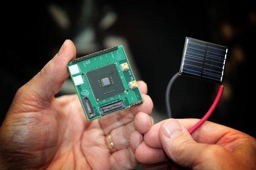 英特尔发近阈值电压处理器与立方体DRAM
