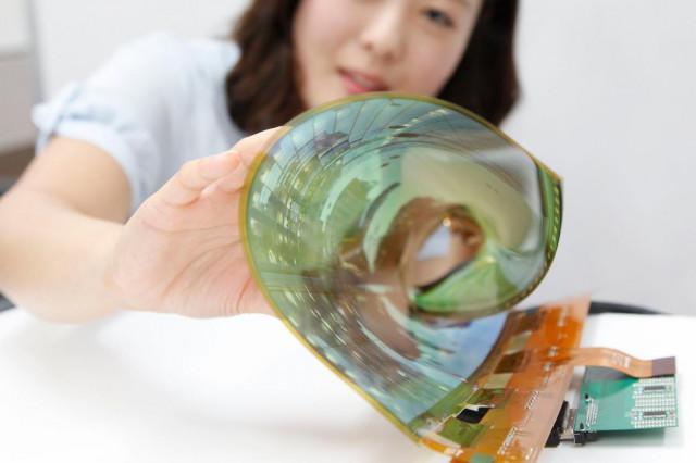 石墨烯OLED柔性显示屏问世 可穿戴设备有救了