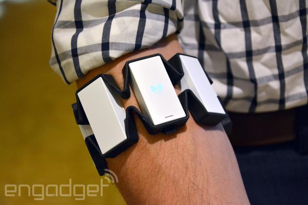 能玩虚拟体感游戏的Myo智能臂带终于要出货了