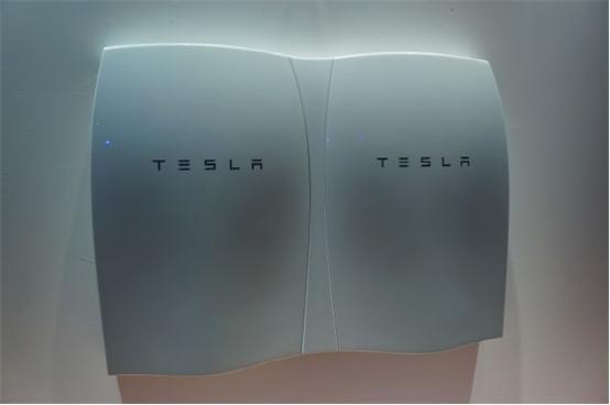 特斯拉发布家用电池系统