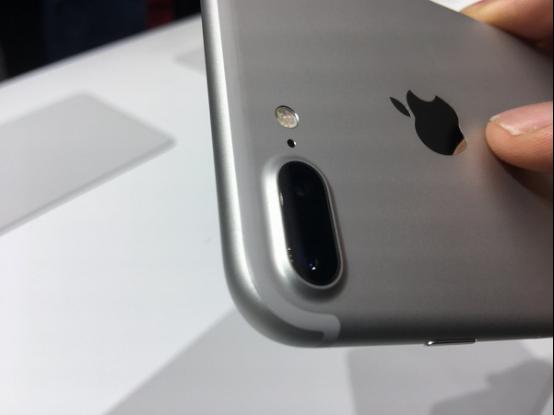iPhone 7 Plus的相机比想象中更牛 有助于AR发展