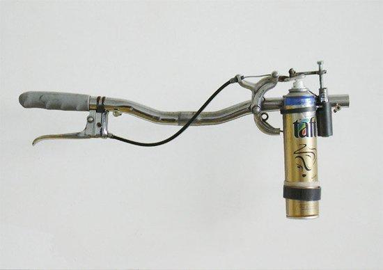 最酷的灭蚊器具:蚊子火焰喷射器