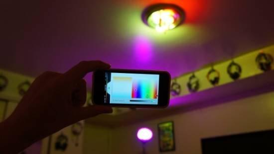 飞利浦智能灯泡 可转变1600万种颜色售价不菲