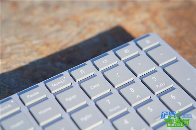 Surface键鼠套装体验 做工超精细但只对Win 10是真爱