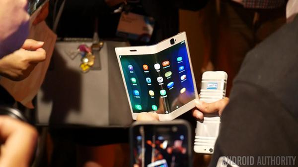 MWC2017热身赛:旗舰手机缺席 5G技术接棒