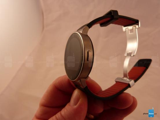 阿尔卡特CES推低价智能手表OneTouch