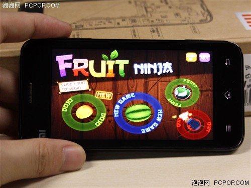 资深网友评小米手机 大型游戏无压力