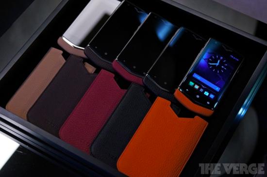 Vertu手机凭什么那么贵?看看生产线就知道了