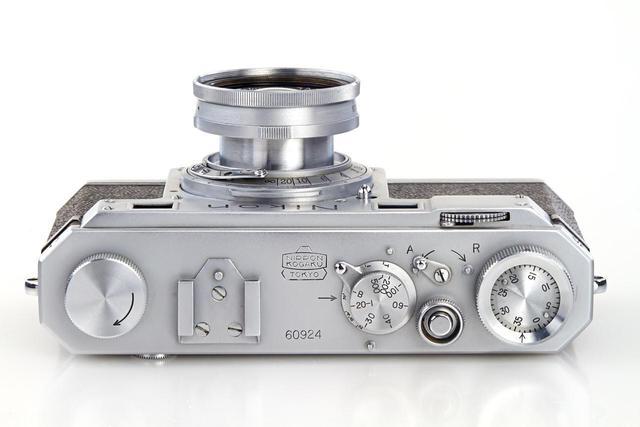 古董尼康相机拍出40万美元天价 买家不打算拍照用