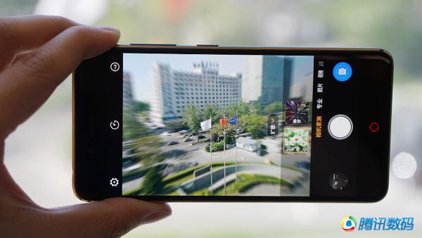 努比亚Z17mini评测:首配双摄 时光相机有创意
