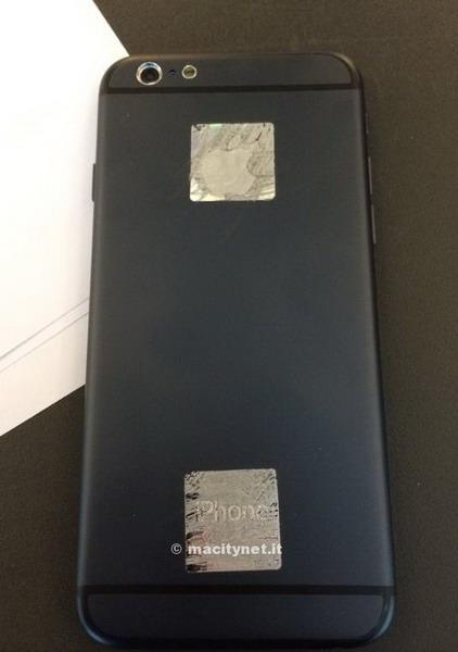 iPhone 6样机对比三星S5  薄至6.1mm