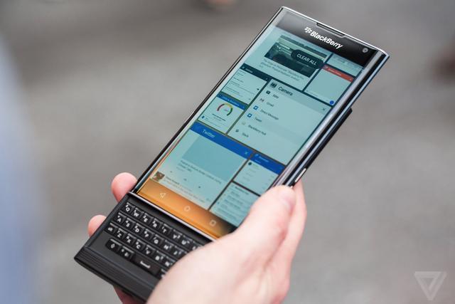 黑莓下月发实体全键盘新机?但可能是TCL设计的