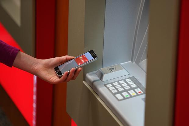 银行卡彻底废了 据说无卡ATM机将是未来主流