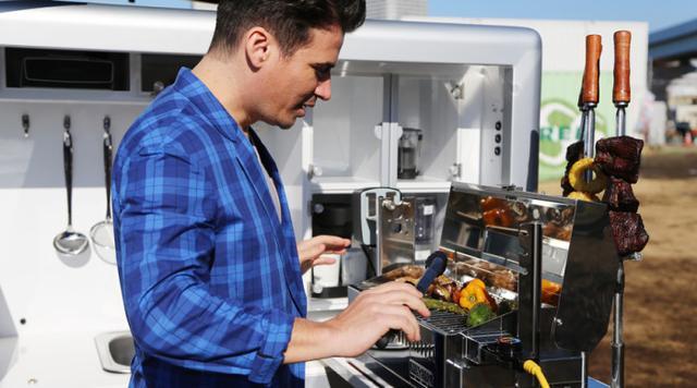 吃货们有福了!日产推出终极智能烧烤概念车