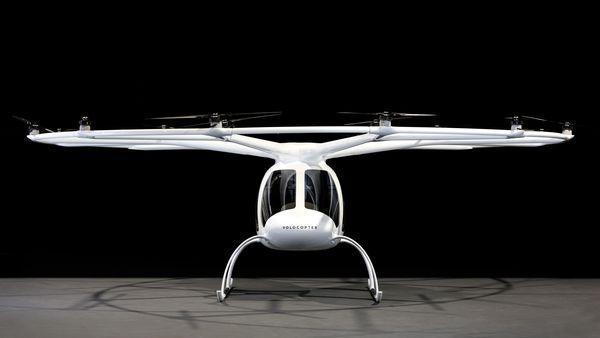 明年有人会坐着这款18轴旋翼飞行器上班了