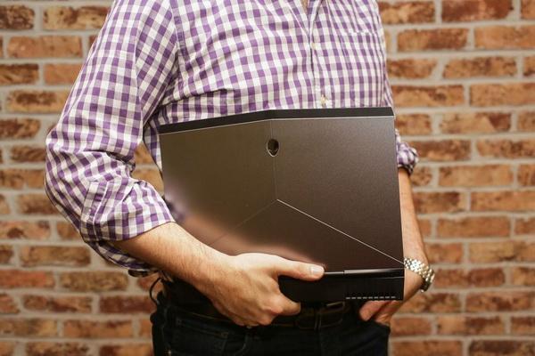 外媒对Alienware 13 R3的屏幕赞不绝口 不服来看