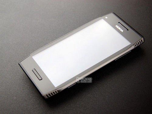 诺基亚X7小降百元 塞班Anna强悍智能
