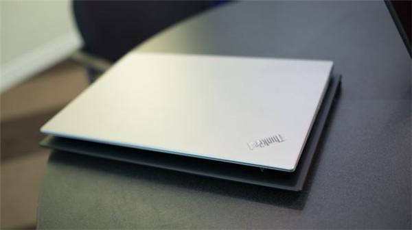 ThinkPad X1 Carbon外媒评测汇总 尺寸小了无SD卡插槽
