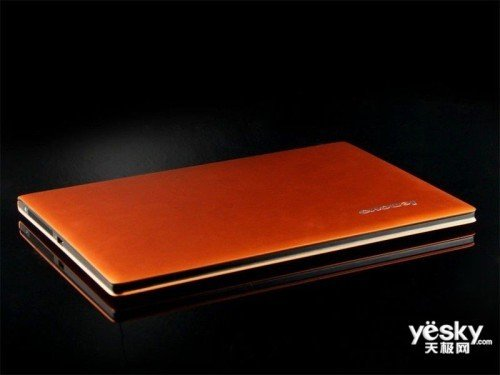 时尚色系超极本 联想U300s本预装WIN7系统