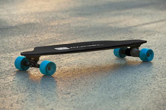 Marbel智能滑板:可连滑16公里/手机可定位