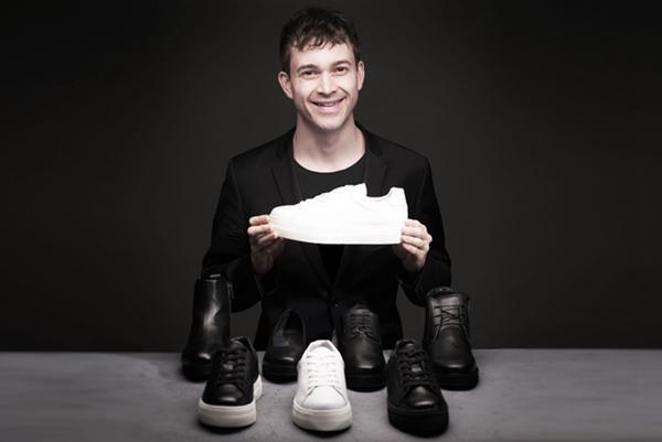 黄教主应该买一双 增高且超软的时尚运动鞋