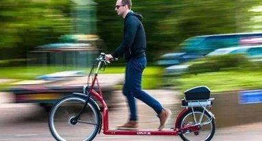"""这个荷兰大叔造了辆""""走路自行车"""",刷爆国外朋友圈"""