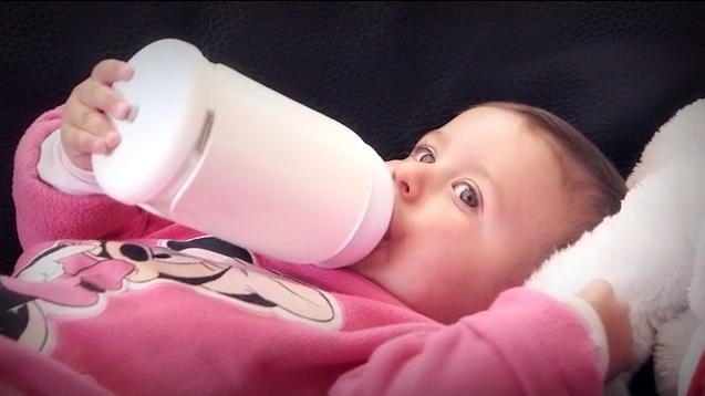 宝宝吃奶一个小时_三个月宝宝吃奶量_宝宝吃奶超过一个小时_宝