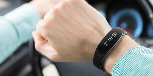 bong 3 HR智能手环发布 实时监测心率血氧变化
