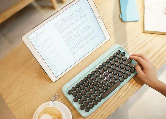 复古风糖果配色无线机械键盘 这颜值也是没谁